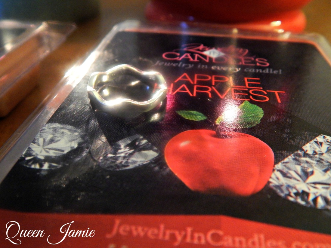 Jewlery in Candles Reveal (2)