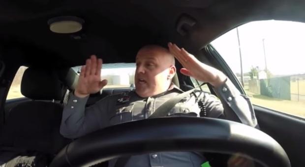 cop sings Taylor Swift