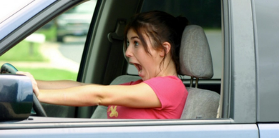 10 Awkward Things That Happen When You Drive an Unfamiliar Car